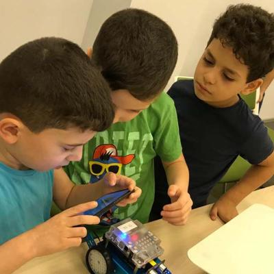 4 Robotics For Kids 1300x800