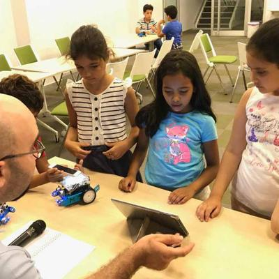 6 Robotics For Kids 1300x800